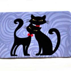 _vyrn_588magnet-cat-in-black